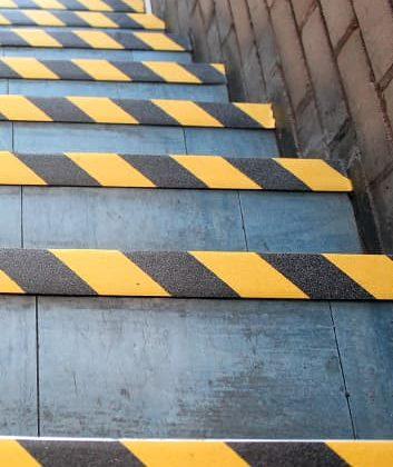 Bodensicherheit GFK Antirutsch Treppenkanten