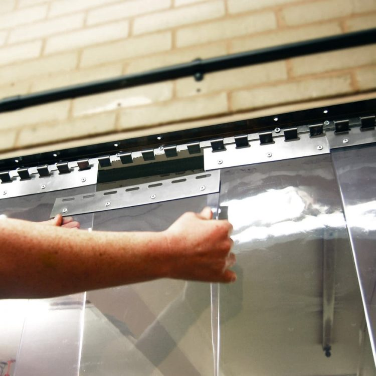PVC Streifenvorhänge Installation Hersteller Industrie
