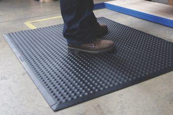 Anti Ermüdungsmatten ergonomische Arbeitsplatzmatten oder Schuheinlagen Vergleich