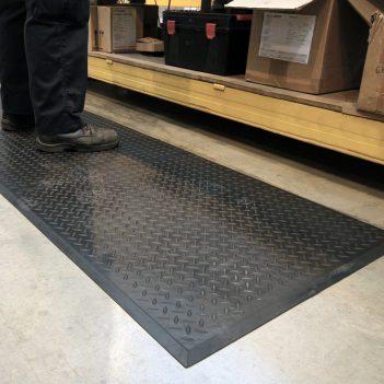 Industriematten Antirutschmatte Arbeitsplatzmatten Anti-Ermüdungsmatte Coba Comfort lok Hersteller