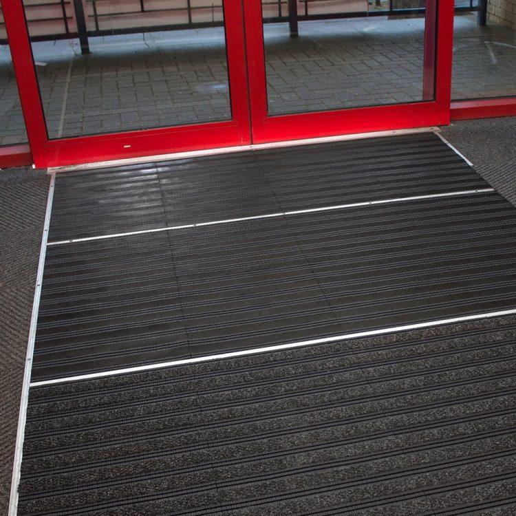 Sauberlaufzone Schmutzschleuse Eingangsbereich Eingang Modular Fliesen befahrbar