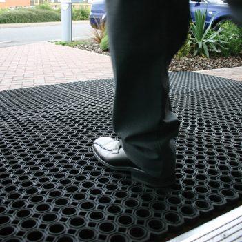 Schmutzfangmatte Eingangsmatte Ringgummimatte robust hoher Anspruch Außen
