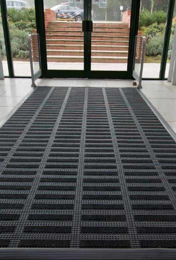 Felpudos y alfombras de entrada profesionales