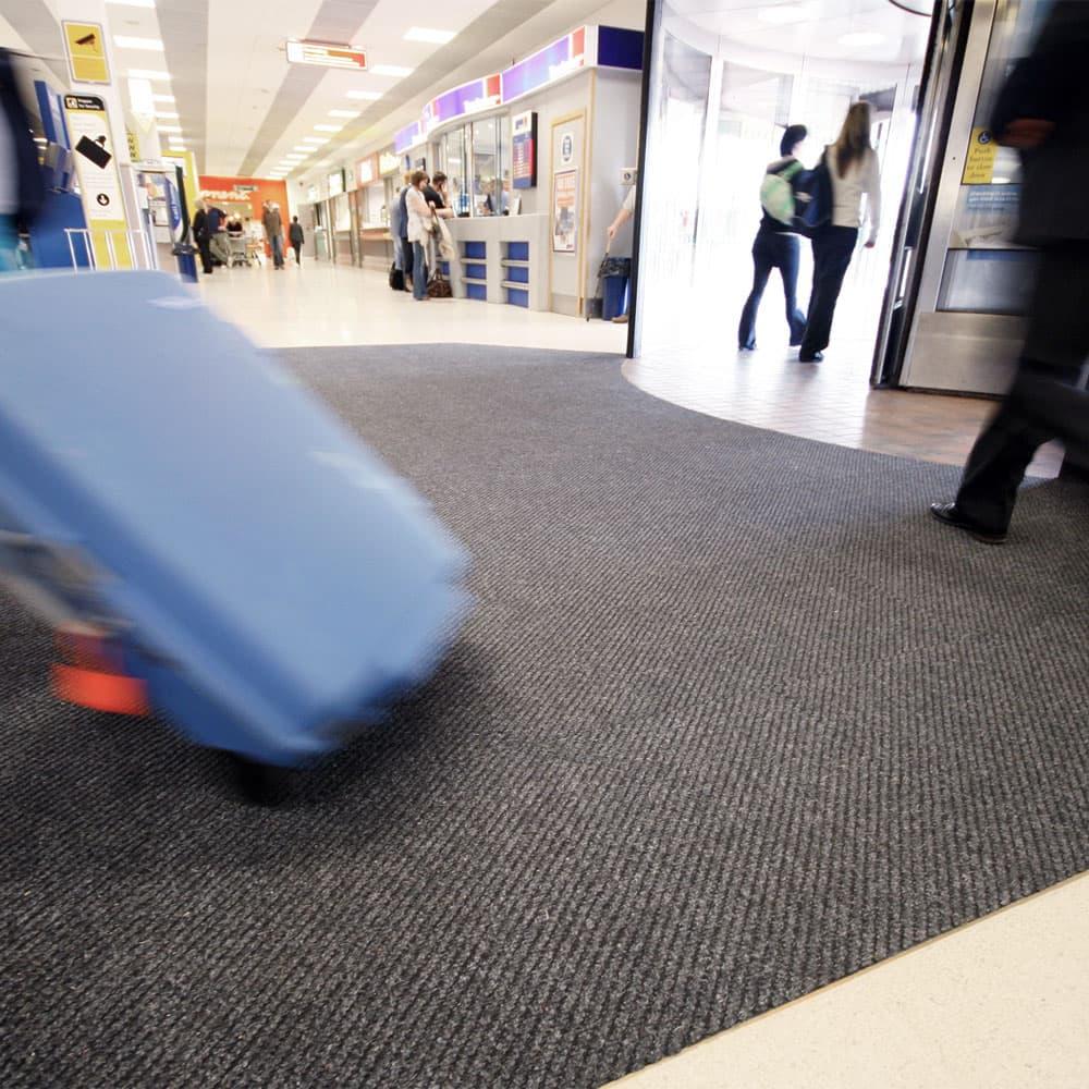 Ribbed carpet entrance matting