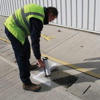 Applicateur de peinture de marquage au sol