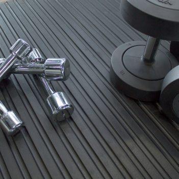 Tapis en caoutchouc Tapis de protection Studio de remise en forme Zone de poids libre