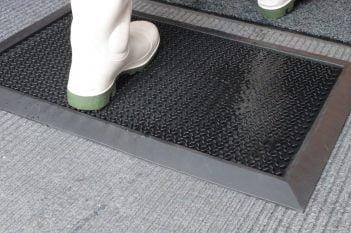 Pédiluve désinfectant HygiWell Tapis de sol désinfectant