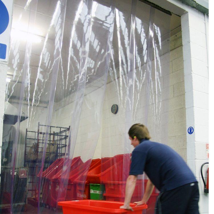 Rideau à lanières en PVC transparent
