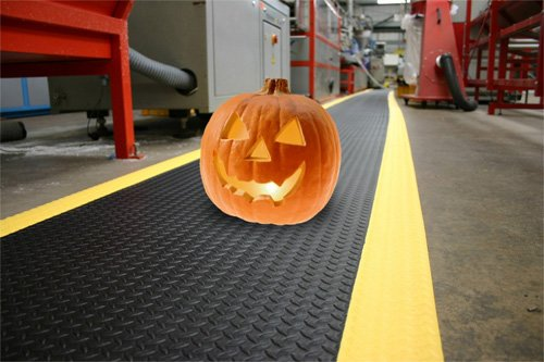 scary-pumpkin on anti-fatigue matting