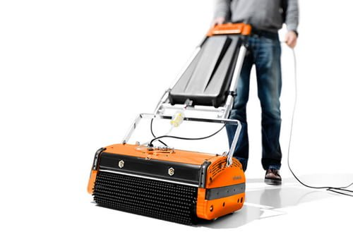 Cleaning hoover for entrance matting