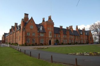 Ratcliffe College